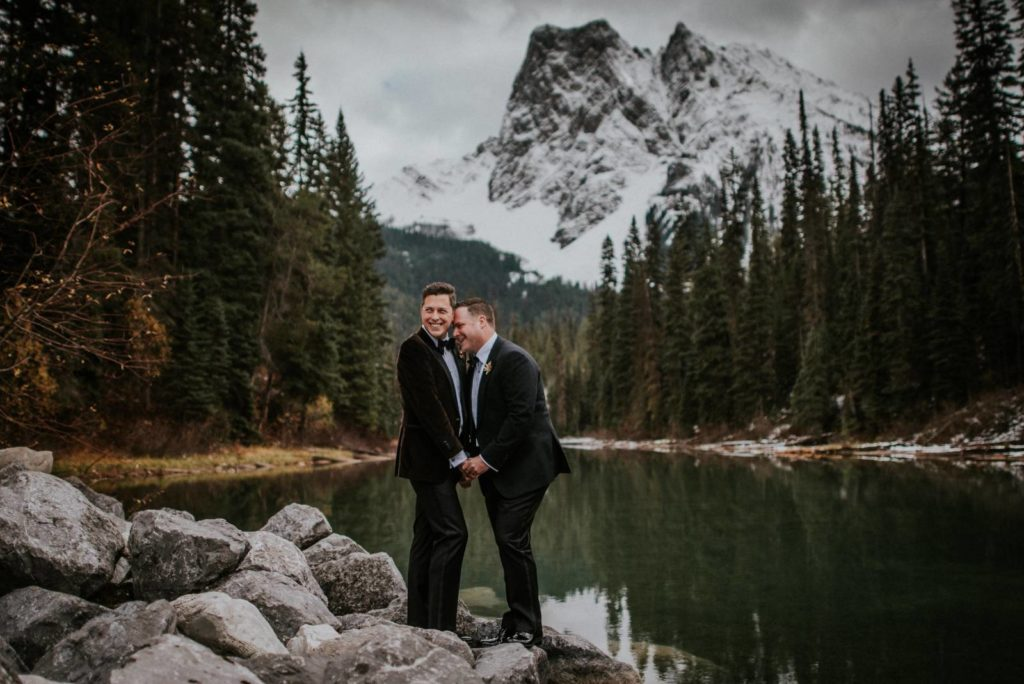 We Loved this Cool and Cozy Emerald Lake Wedding� | Emerald Lake