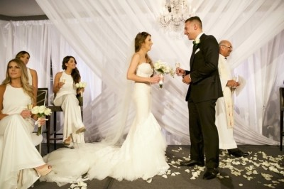 Luxurious White Themed Wedding at Hotel Arts | Calgary Wedding Planner