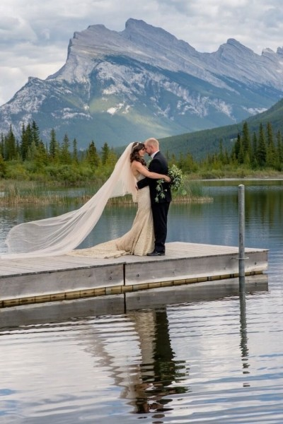 Traditional Romantic Wedding at Fairmont Banff Springs | LFW
